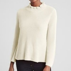 GAP • cream ribbed knit mockneck sweater